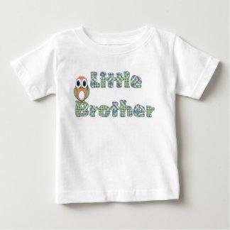 カラフルな弟およびフクロウのTシャツ ベビーTシャツ