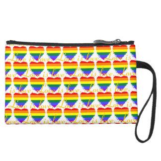 カラフルな愛は愛虹のハートパターンです スエードクラッチ