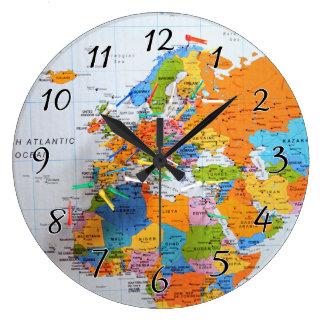 カラフルな旅行地図 ラージ壁時計