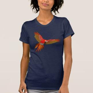 カラフルな深紅のコンゴウインコのはえの芸術 Tシャツ