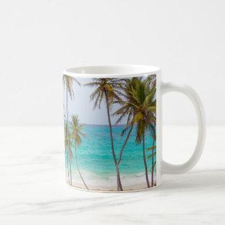 カラフルな熱帯ビーチ コーヒーマグカップ