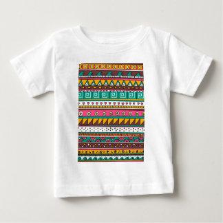カラフルな種族パターン ベビーTシャツ