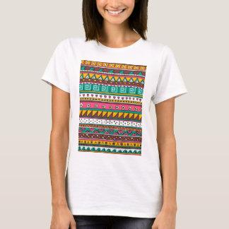 カラフルな種族パターン Tシャツ
