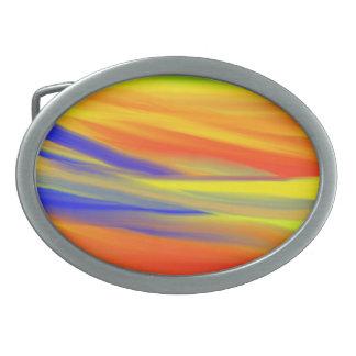 カラフルな空のペンキの虹の芸術 卵形バックル