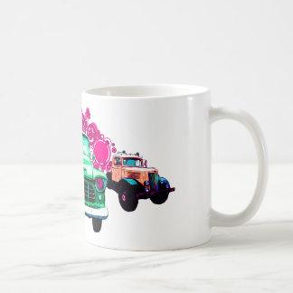カラフルな緑のヴィンテージのトラック コーヒーマグカップ