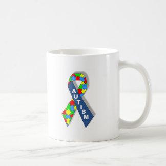 カラフルな自閉症の認識度のリボン コーヒーマグカップ