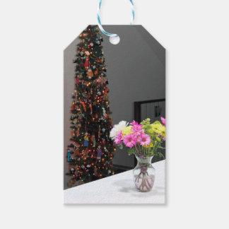 カラフルな花の花束およびクリスマスツリー ギフトタグパック