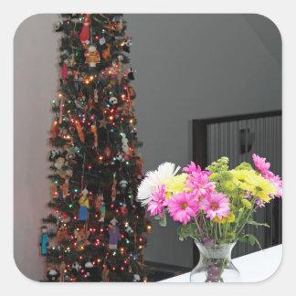 カラフルな花の花束およびクリスマスツリー 正方形シールステッカー
