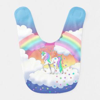 カラフルな虹のユニコーンおよび星 赤ちゃんスタイ