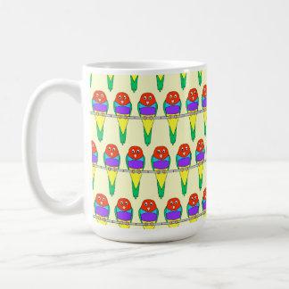 カラフルな鳥パターン。 Gouldianのフィンチ コーヒーマグカップ