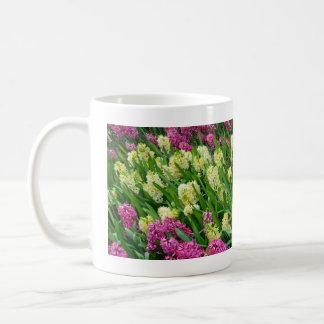 カラフルなhyacinthの花園 コーヒーマグカップ