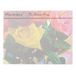カラフルのばら色の花の花束 ノートパッド