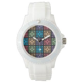 カラフルは円および正方形の腕時計を抽出します 腕時計