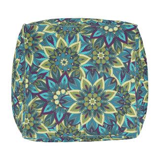カラフルは民族の花の曼荼羅パターンdeを抽出します アウトドアプーフ