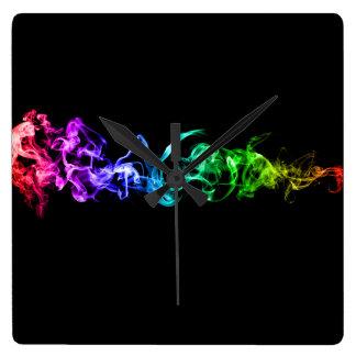 カラフルは煙-暗闇の虹--を抽出します スクエア壁時計