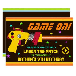 カラフルレーザーのラベルの子供の誕生日のパーティの招待状 カード
