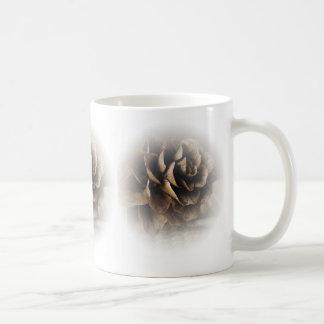 カラマツの円錐形 コーヒーマグカップ