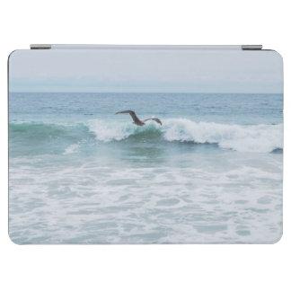 カリフォルニアのビーチのカモメ iPad AIR カバー