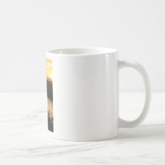カリフォルニアの日曜日 コーヒーマグカップ