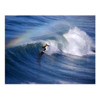 カリフォルニアサーファーの郵便はがき上の虹 ポストカード