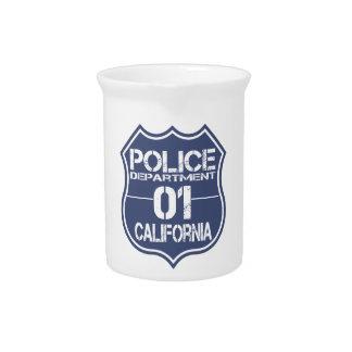 カリフォルニア警察の盾01 ピッチャー