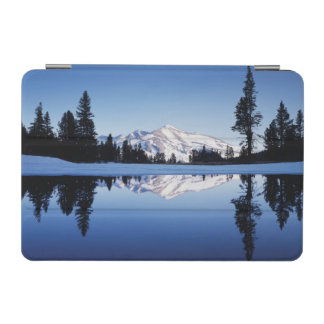カリフォルニア、シエラネバダ山脈山、ヨセミテ9 iPad MINIカバー