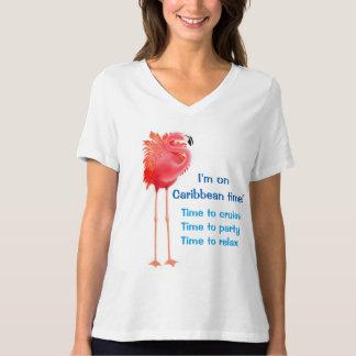 カリブのなフラミンゴのクルージング Tシャツ