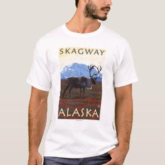 カリブー場面- Skagway、アラスカ Tシャツ