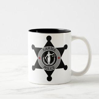 カルマ警察は、この人を…阻止します ツートーンマグカップ