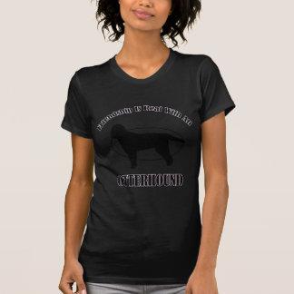 カワウソ猟犬犬のデザイン Tシャツ