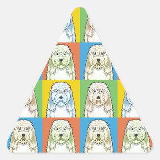 カワウソ猟犬犬の漫画の破裂音芸術 三角形シール