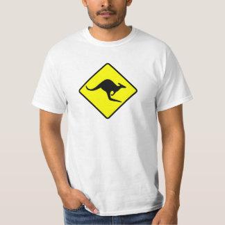 カンガルーの交差- rooかワラビーまたはaustralia/oz/aussie tシャツ