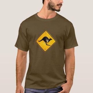 カンガルーの交通標識 Tシャツ