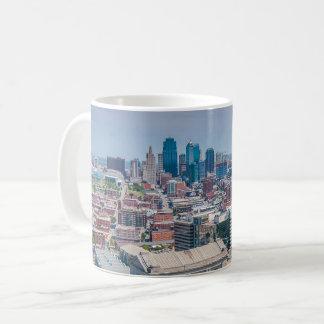 カンザスシティの美しいスカイライン コーヒーマグカップ