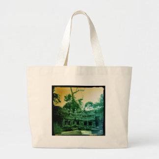 カンボジアのtaのprohmのholgaの写真 ラージトートバッグ