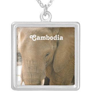 カンボジア象 シルバープレートネックレス