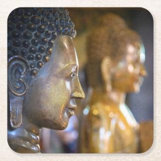 カンボジア、プノンペン。 仏の彫像 スクエアペーパーコースター