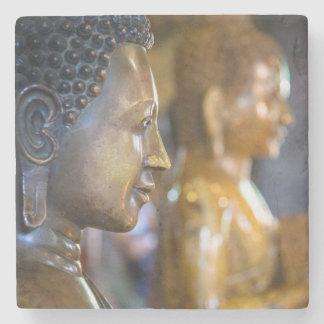 カンボジア、プノンペン。 仏の彫像 ストーンコースター
