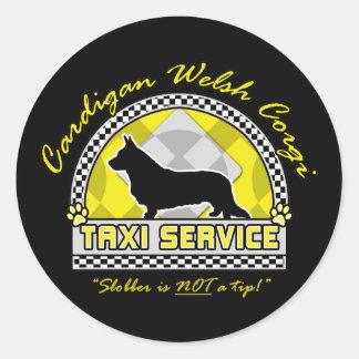 カーディガンのウェルシュコーギーのタクシーサービス 丸形シールステッカー