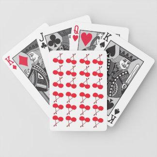 カードを遊ぶさくらんぼ バイスクルトランプ