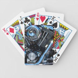 カードを遊ぶエンジン バイスクルトランプ