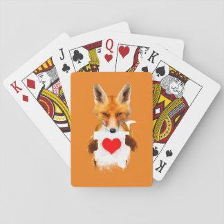 カードを遊ぶハートを保持しているキツネ トランプ