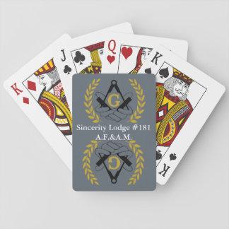 カードを遊ぶフリーメーソンの背部 トランプ