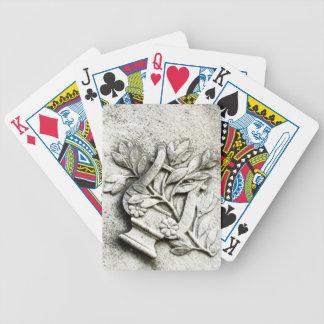 カードを遊ぶ墓地のハープ バイスクルトランプ