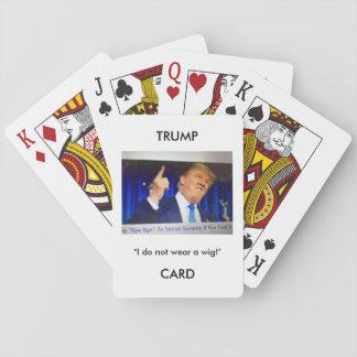 カードを遊ぶ奥の手のドナルド・トランプのイメージか引用文 トランプ