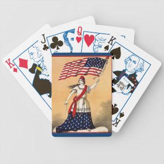 カードを遊ぶ女性自由 バイスクルトランプ