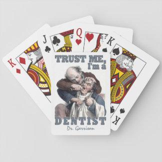 カードを遊ぶ歯科医のユーモアの名前をカスタムする トランプ