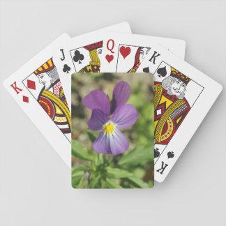カードを遊ぶ美しいすみれ色の花の写真 トランプ
