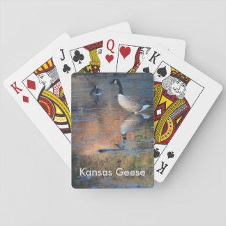 カードを遊んでいるカンザスのガチョウ トランプ
