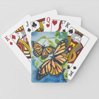 カードを遊んでいるマダラチョウ トランプ